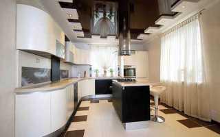 Прекрасный черно-белый потолок