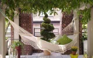 Плинтус, декорированный под дерево